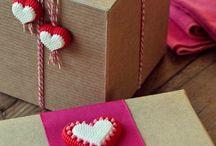 Dárkové balení a tvoření s papírem.