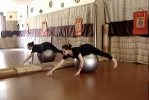ball yoga , yoga na bola
