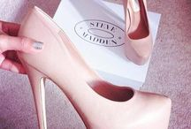 Shoe Game / I Can't Concentrate In Flats - Victoria Beckham