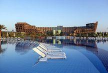 Nuhun Gemisi ( Noahs Ark Deluxe ) / 1300m'lik özel kumsala sahip olan Noah's Ark Deluxe Hotel & Spa 160.000 m² üzerine kurulmuştur.