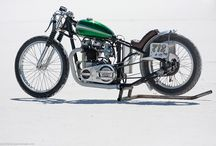 Triumphs Vintage & Modern / From stock to cafe to chopped to full race mode, we love all types of Triumphs!