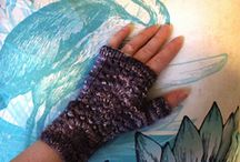 Mittens & Gloves / Mittens, Gloves, Fingerless Mitts, Armwarmers and Wristwarmers to knit or crochet in Manos del Uruguay yarns.