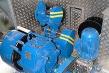 Геофизическое оборудование / Геофизическое оборудование для исследования нефтегазовых скважин: лебедка исследовательская, лубрикатор скважинный, манометры, пробоотборники, контейнеры, скребки скважины динамические, автоотцепы, ловители устьевой и цанговый.