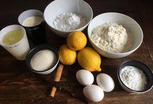 Citrontærte / Citrontærte med kanel/vanilje marengs er en fantastisk måde, at kombinere sødt og surt. Vi går på samme tid ind i de kolde vinter måneder og det er derfor vigtig at få sine vitaminer. Jeg elsker at bage kager og har i lang tid gået med tankerne om, at bage en citrontærte med marengs. Men jeg har ikke haft den rigtige form og sprøjtetyl til at udføre dette. Nu har jeg shoppet og her kan i se smagsløgenes svar på en citrontærte med marengs!