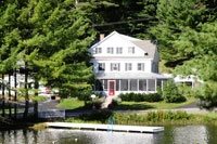 Lodging at Purity Spring Resort / From traditional colonial houses, mountainside and slopeside lodges to lakeside condos and cottages, our family-style lodging and seasonal rate options are sure to satisfy everyone.