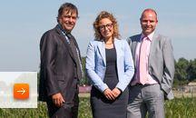 Rabobank Zeeuws-Vlaanderen / De Rabobank houdt van ondernemende mensen. En van mensen die elkaar de ruimte geven en elkaar inspireren om samen nieuwe ideeën te ontwikkelen. Want in de samenwerking zit onze kracht. Op die manier dragen wij bij aan de realisatie van de ambities van onze klanten. En daar draait ons werk natuurlijk ook om: het belang van de klant staat centraal.