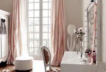 VANITY / Beautiful and inspiring vanity spaces