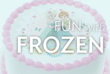 Frozen Cakes and Cupcakes / Do you love Disney's Frozen? You're in the right place. Find Frozen cake and cupcake ideas to inspire you and the cake decorations you need to create the perfect Frozen birthday party.
