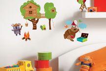 Collection : TRENDY STICKERS / Mixez nos nouveaux stickers selon vos envies ! La collection Trendy Stickers joue avec tous les styles... Flashy, raffiné, fantaisie ou décalé, quel bonheur d'animer notre intérieur avec autant de facilité ! Nos stickers se prêtent à toutes les combinaisons pour créer des ambiances ludiques et colorées et dynamiser vos pièces !