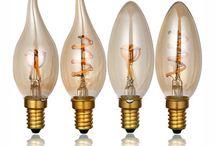 Kolekcia SOFT EDISON / Kolekcia SOFT EDISON je kolekcia dekoračných žiaroviek kolekcie EDISON s mäkkým filamentovým vláknom. V polovici 90. rokov, bolo použitie klasického vlákna žiarovky štandardom. V súčasnej dobe však tieto žiarovky zapadli a ich použitie vymrelo aj vďaka ich vysokej spotrebe energií. Edison štýl osvetlenia však zostáva v móde. Ich dekoračné využitie je možné vidieť v reštauráciách a baroch po celom svete. www.ziarovky.eu