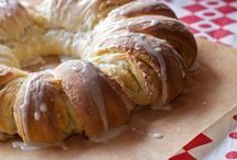 Yeast Breads / by Elizabeth Bender