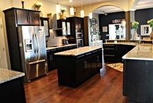 Dream home kitchen / by Leslie Thom