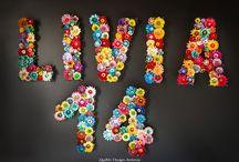 LITERE, CIFRE / Litere decorate cu flori prin tehnica quilling, taierii, embosarii