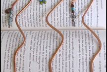 > Wire bookmarkers
