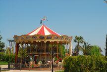 MIRAGICA: IL CAROSELLO / Il Carosello, una delle attrazioni preferite da grandi e piccini nel parco divertimenti di Miragica (Molfetta - Puglia)