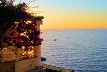 LA PASSEGGIATA PIÙ LUNGA D'ITALIA / Ti invitiamo in una passeggiata virtuale sul lungomare più lungo d'Italia: un cammino che parte dalle Cinque Terre,  passa per Capri e arriva fino alle Isole Eolie  attraversando il nostro bellissimo Paese. Viaggio e libertà sono i temi della collezione Conbipel Estate 2014. Scopri la collezione su www.conbipel.it