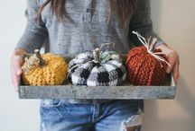 Autumn Crochet Patterns / All crochet patterns celebrating fall leaves, pumpkin spice, Halloween and everything autumn