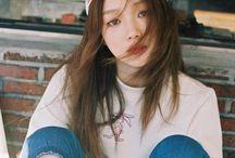 LeeSungKyung