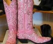 Cow Girl Boots with Personality / by Vicki Wronski