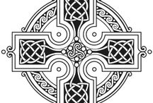 C E L T I C - Inspiration / Celtic knots and related floral elements have always been a myth but also a great source of inspiration. Use the shown examples to create your own celtic designs. You can start with the pattern and later on you, or your kids can use it for coloring in. Have fun! If you want to share it on Facebook or Instagram, please use #fabercastell so we have a chance seeing your art work.