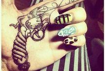 10 Hand Tattoo Ideen für Frauen