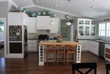 Kitchens / by Bethany