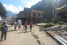 Tragic Disaster Strikes the Road from Nepal to Tibet. / Tragic Disaster Strikes the Road from Nepal to Tibet.
