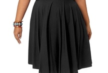 Bridesmaids / Curvy bridal, curvy brides, wedding gown, plus size bridal, plus size fashion