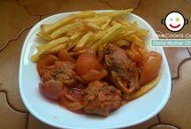 Συνταγές με Κρέας / Μπες στο www.famecooks.com, μοιράσου τις συνταγές σου, ανέβασε τις φωτογραφίες σου, κάνε νέους φίλους και απογείωσε την κουζίνα σου!