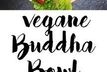 Meine Rezepte: Buddha Bowls, Smoothies, Breakfast Bowls / Auf diesem Board findet ihr meine eigenen vegetarischen und veganen Bowls. Rezepte für jeden Anlass: Frühstück, Mittagessen oder ein Abendessen. Auch low carb Rezepte sind dabei! Alles ist einfach in der Zubereitung.