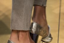 Shoe frenzy / Shoe maniac