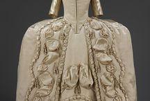 rokokové oděvy - dámské