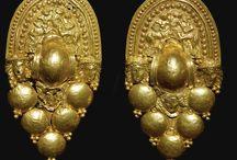 Etruscan Jewellery / Beautiful Etruscan jewellery. Love it!