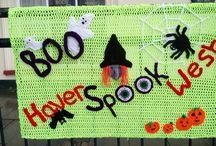 Yarn bomb Halloween 2016 / Beautiful and striking yarn bomb in Haverfordwest for Halloween