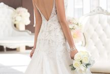 Wedding Gowns on Sale! / Check out our sample gowns that are on sale! They are in excellent condition, available to buy IMMEDIATELY, and have amazing prices!