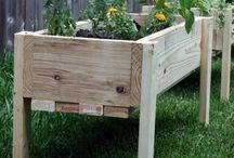 Elevated flower bed