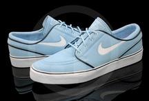 Fashion –– Footwear