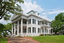 Southern Style Homes / by Bevolo