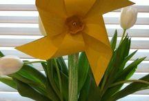 Actividades peques: primavera / Actividades y manualidades para hacer con peques con el tema primavera. / by Imaginando sin acentos