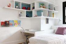 Quartos de adolescentes / Enérgicos e cheios de personalidade, os adolescentes demandam quartos com atmosferas aconchegantes, isso porque esses ambientes são considerados como espaços de recolhimento, tranquilidade e liberdade.