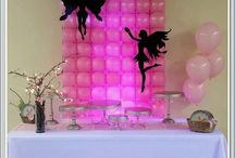 Sweet table backdrop / created by Rosielloons