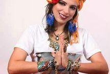 Região Sudeste- Núcleo SP - Maria Badulaques | Resenhando / Coordenação: Maria Badulaques (SP) | Saiba mais>> http://aerithtribalfusion.blogspot.com.br/2014/11/maria-badulaques-sp-resenhando.html