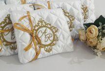 Casamento Branco e Dourado / Inspirações para casamentos nas cores branca e dourado e opões de lembrancinhas nessas cores.