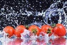 Frutta&Verdura che passione! / Frutta e verdura sono alleate indispensabili della nostra salute, poiché ci forniscono vitamine, sali minerali e fibre in gran quantità. E' dimostrato che, utilizzando il Bicarbonato Solvay® nel lavaggio di frutta e verdura, si rimuove una maggiore quantità di residui rispetto al lavaggio con la sola acqua e si ottengono gli stessi risultati che si hanno utilizzando prodotti specifici contenenti tensioattivi.