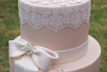 Holy Communion Cake inspiration / A compilation of cakes we like online!
