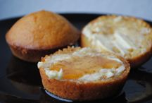 Brot mit süßen Beilagen