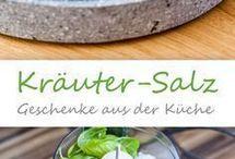 Gewürzmischungen/Salz- und Zuckermidchungen/Kräuter
