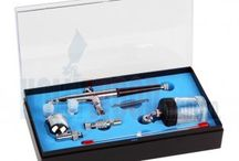 Airbrush Kits / We provide a range of airbrush/airbrushing kits which are suitable for all levels of users.