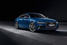 Audi RS7 Sportback performance / Nowe Audi RS 7 Sportback performance: lepsza dynamika, większa ekskluzywność, piekielna moc. Wydajność 4,0-litrowego silnika V8 TFSI poprawiono o 33 kW, co przekłada się na moc 445 kW (605 PS). Dodatkowo, funkcja overboost zapewnia wybitne przyspieszenie i przenoszenie mocy. Napęd na wszystkie koła quattro® przenosi moc na drogę w sposób bezkompromisowy.