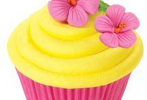 Cupcakes / by Alejandra Georgina Laorrabaquio Saad